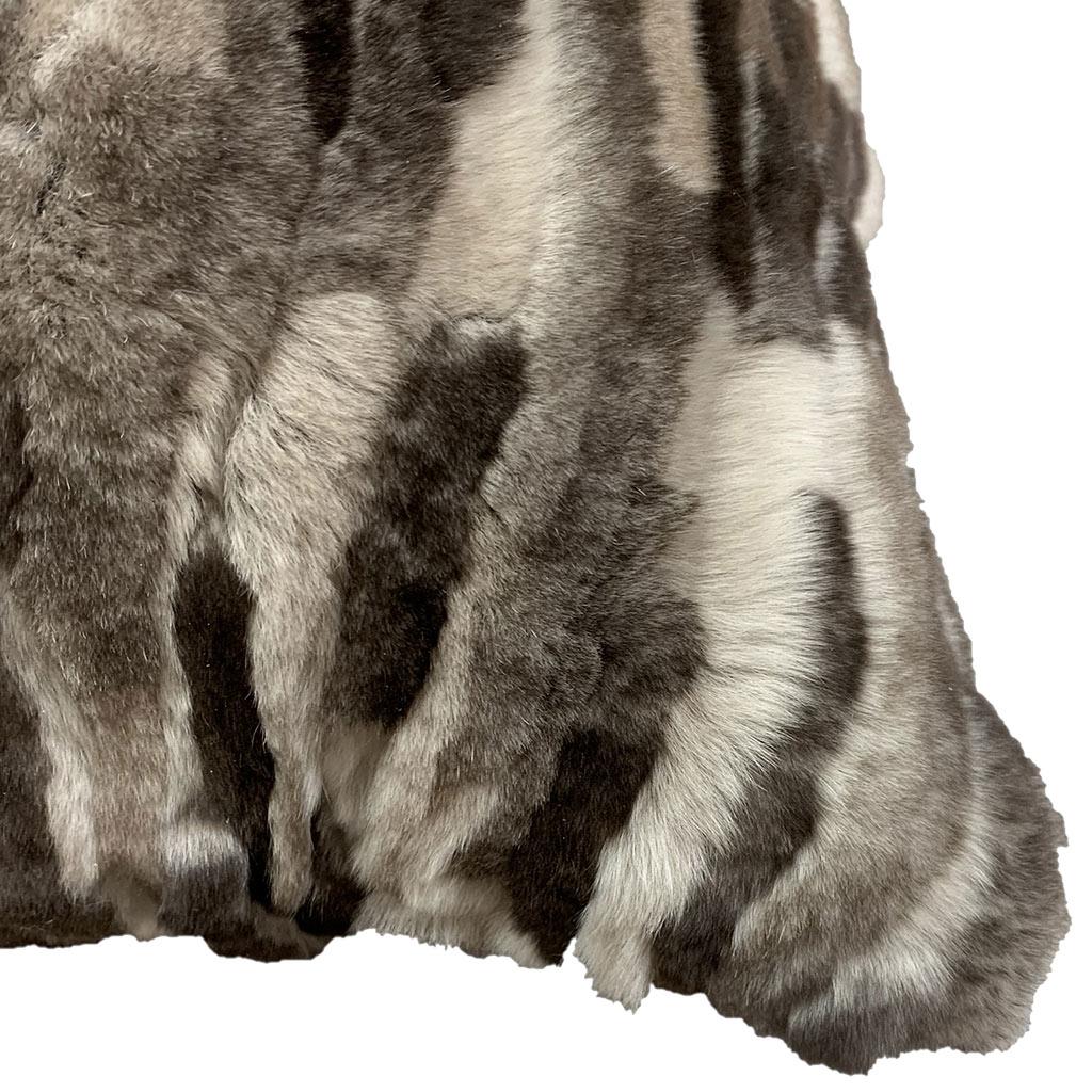 Coussin carré patchwork gris Caresse Orylag 2